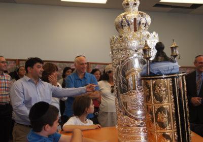 new sefer torah at bnei israel minyan thornhill