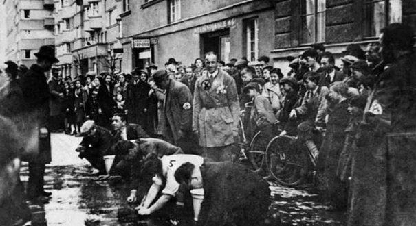 anschlus jews kneel vienna jewish privilege
